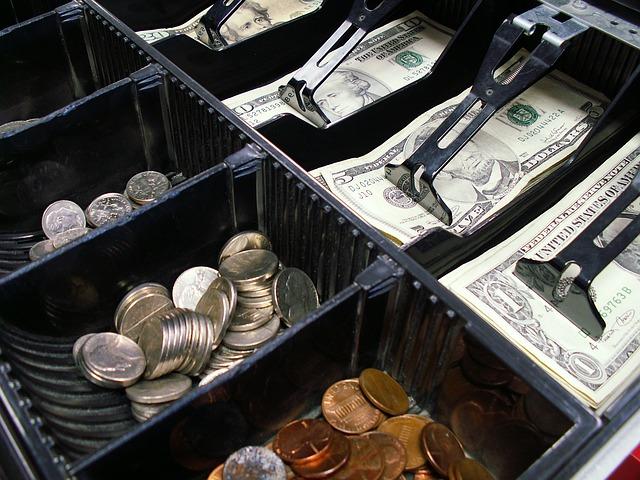 cash-register-1885558_640.jpg