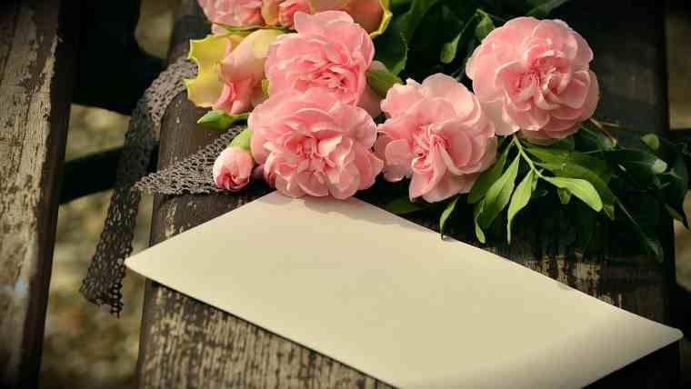 How to make money online as a greeting cards writer or designer and you can get such greet card jobs from home on your own or through the many card companies out there m4hsunfo