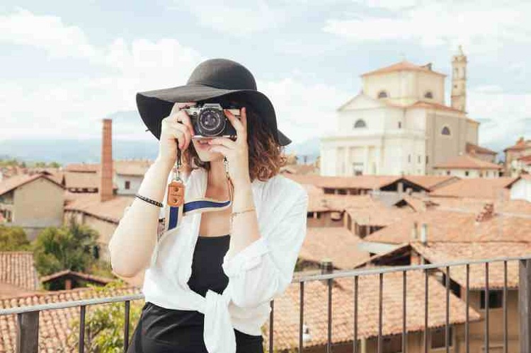 make money by taking photos on weekends