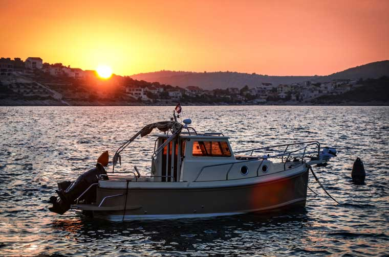 find used boats online