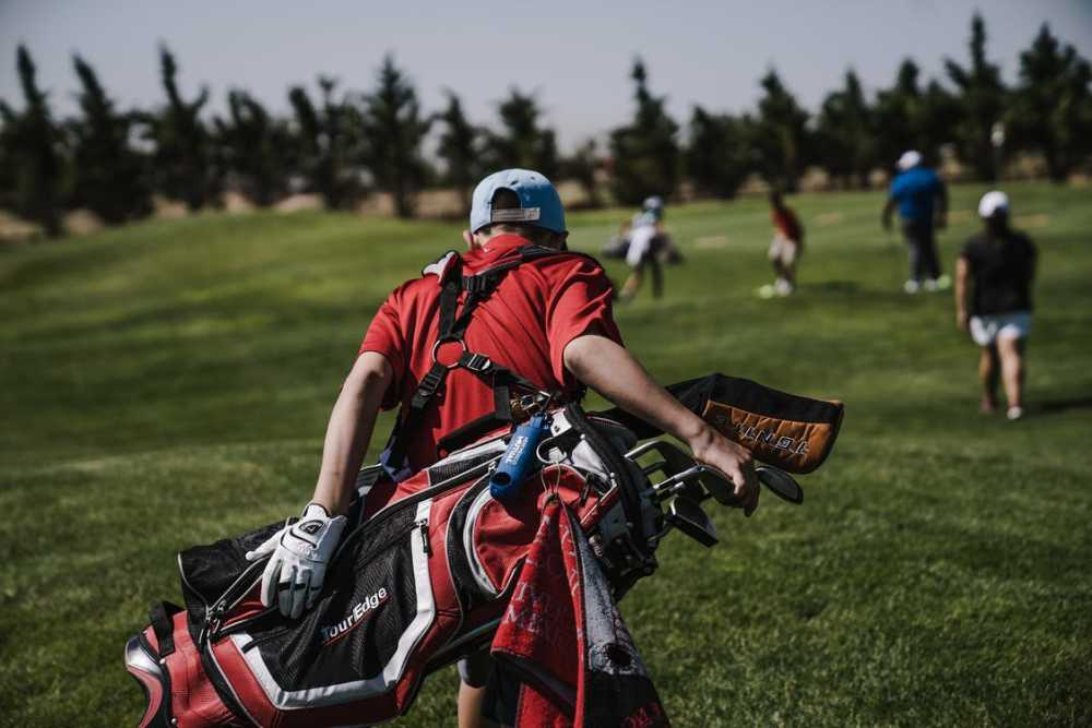 golf jobs for 16 year olds
