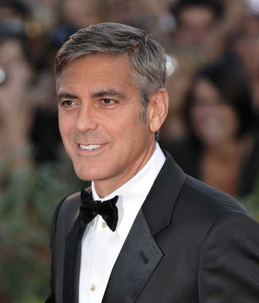 George Clooney loves feet in From Dusk Till Dawn movie