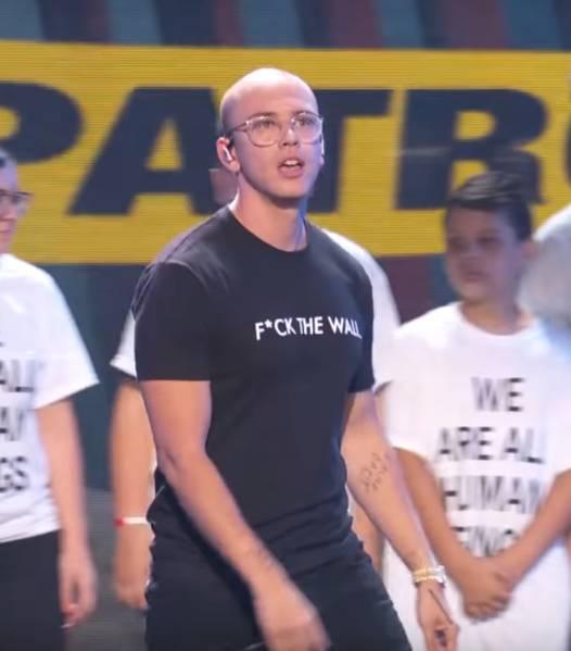 Logic performing 2018 VMAs