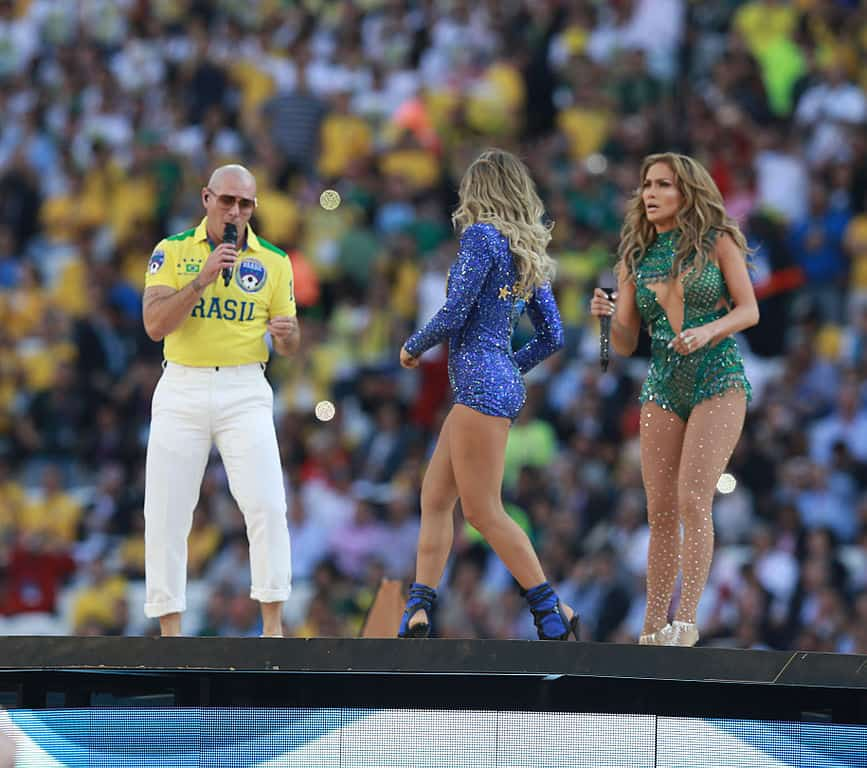 Pitbull-performing-in-The-opening-ceremony-FIFA-World-Cup-2014