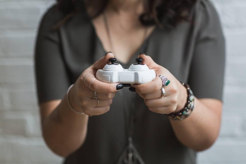 girl playing Girly Games