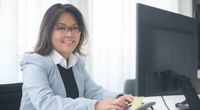 How to Become a Copywriter and Make Money